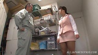 Japanese wifey Miyuki Matsushita drops on her knees to relating to head
