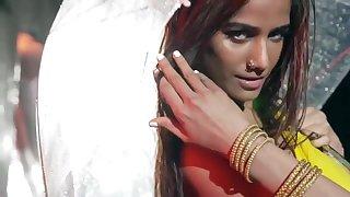 Poonam Pandey Rain Dance - Indian babe solo