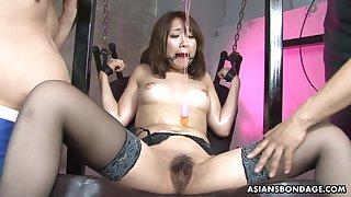 Bound Asian babe Ryo Akanishi got her nasty pus