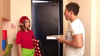 Japanese pizza delivery girl Yui Yamashita fucked for their way tip