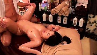 Massage nearly twat fingering for Japanese girl